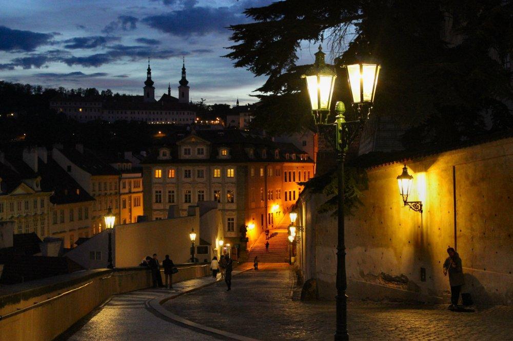 29-prague-night-falls-on-nerudova-street